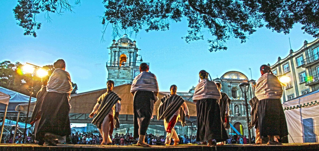 One Magical Night in Oaxaca photographs by Bill Bell