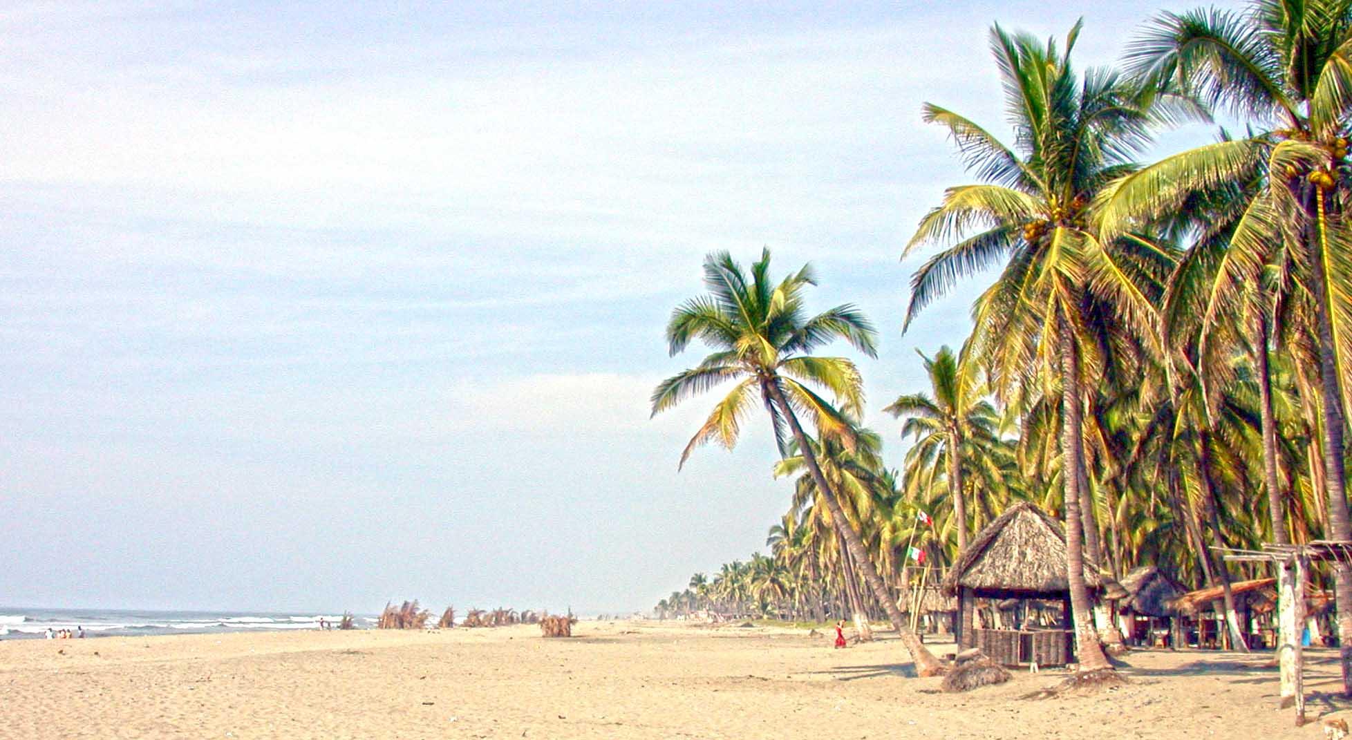 Playa Azul tiene una importante actividad exológica.